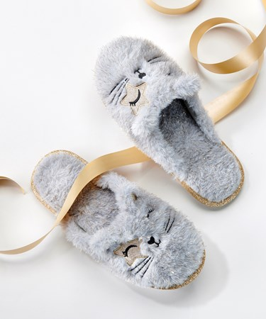 OHSOCUTESlippers2Asst