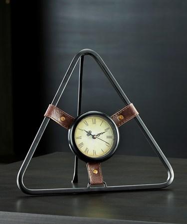 TriangleDesignTableClock