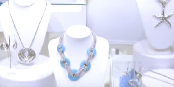 merch_video_jewelry_displays.jpg