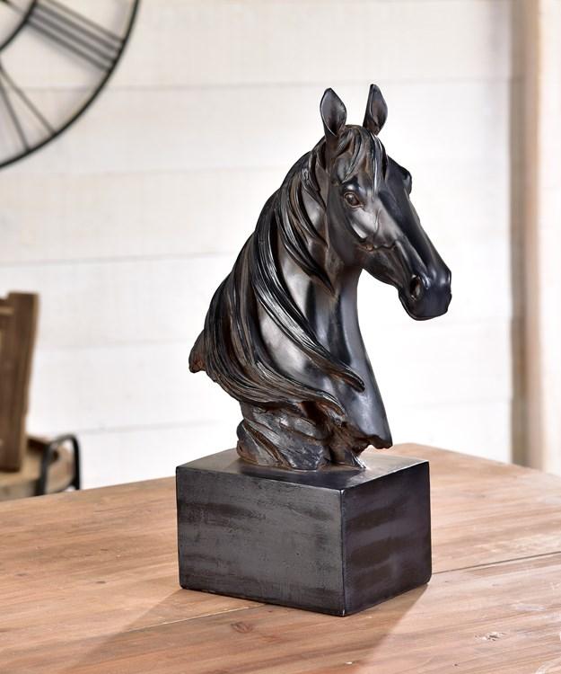 HorseHeadFigurine